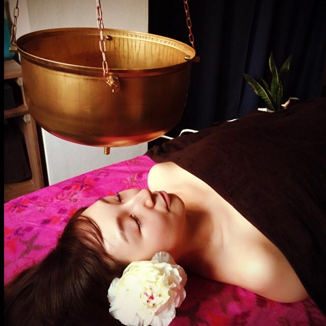 アーユルヴェーダ・シロダーラの期待効果は偏頭痛ストレス不眠などにおすすめ